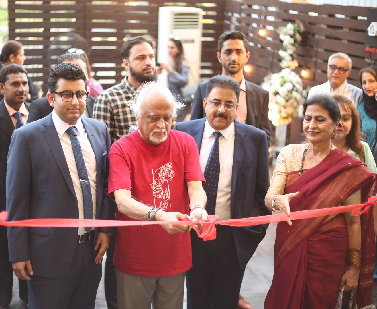Anwar Maqsood opening J.B. Saeed Home & Hardware Store in Lahore